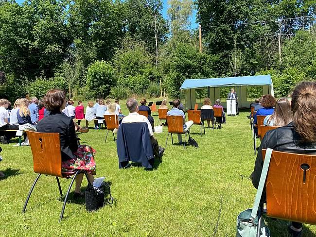 Abiturzeugnisverleihung am Gymnasium Langenberg in schönem Ambiente